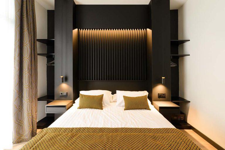 01 - Balcony Room